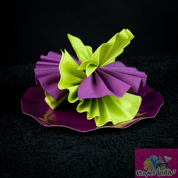 pliage de serviette en forme de fleur best gallery of. Black Bedroom Furniture Sets. Home Design Ideas